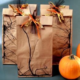 DIY halloween loot bags