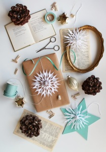 DIY Paper Snowflake Gift Toppers