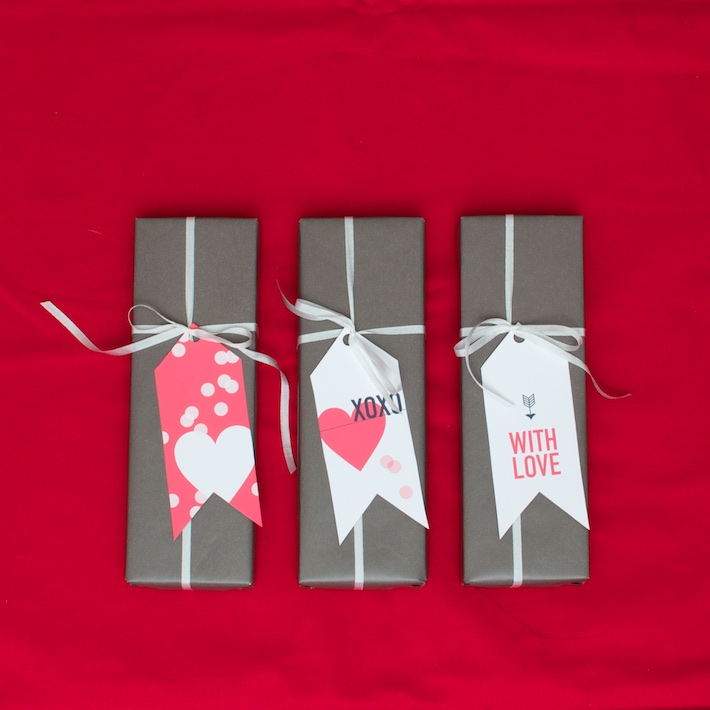 Free printable DIY Valentine's Gift Tags  | CorinnaWraps.com