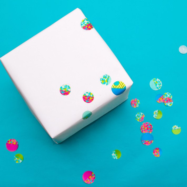 DIY Confetti-dot gift wrapping for a kid's birthday   Step 3: Apply the dots to the paper   CorinnaWraps.wordpress.com