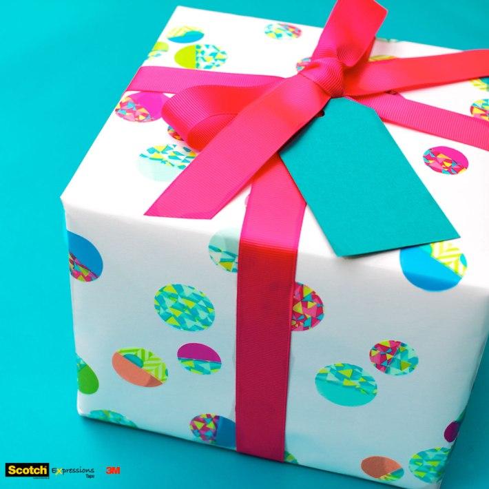DIY Confetti-dot gift wrapping for a kid's birthday   CorinnaWraps.wordpress.com