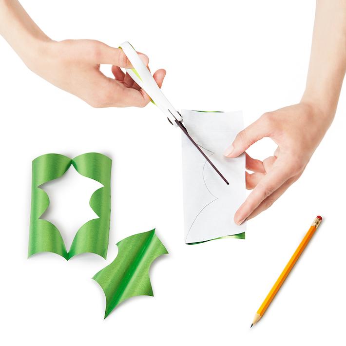 DIY 3D Paper Holly Gift Topper   CorinnaWraps.wordpress.com